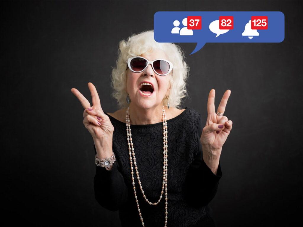 Image femme âgée sur les réseaux sociaux